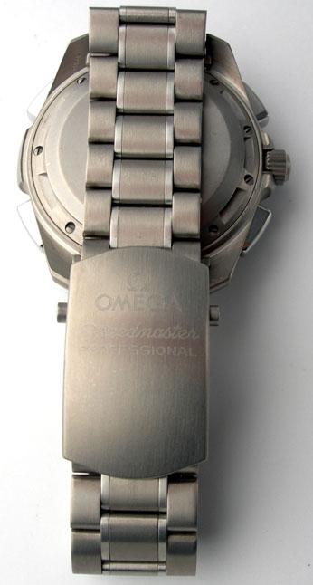 Omega titanium bracelet and Speedmaster Professional clasp. Photograph courtesy of Fatpants (Alex)